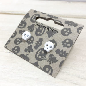 Halloween skull earrings in packet